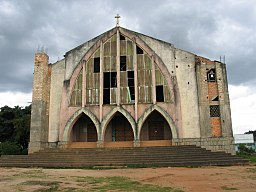 Church in Huambo, Angola.jpg