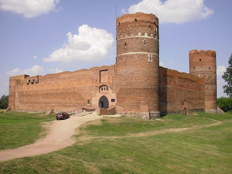 File:Ciechanów, zamek,Muzeum Szlachty Mazowieckiej,.JPG