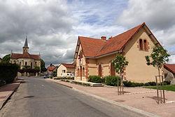 Cindré (Allier) - Mairie et église.jpg