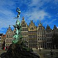 Classic Tourist Fodder - Statue of Roman General Silvius Brabo on the Grande Place in Antwerp - panoramio.jpg