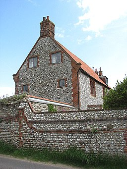 Cley Old Hall - geograph.org.uk - 841915