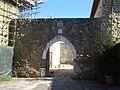 Collestrada (PG) - arco di ingresso al borgo - panoramio.jpg