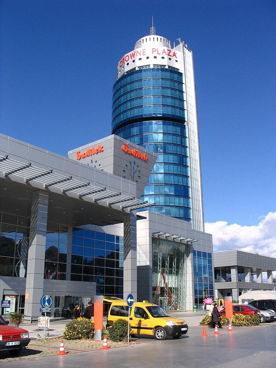 Crowne Plaza İzmir