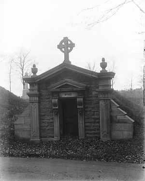 Thomas D'Arcy McGee - McGee's mausoleum in Notre-Dame-des-Neiges Cemetery, Montreal, 1927
