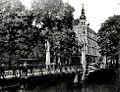 Düsseldorf Königsallee an der Bastionsbrücke 1900.jpg