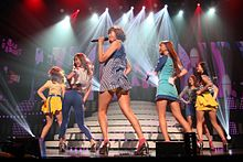 Dal Shabet in Cyworld Dream Music Festival.jpg