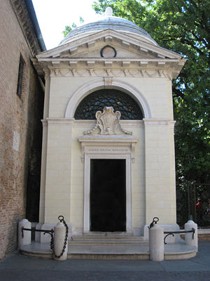 Dante's death tomb in Ravenna.
