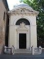 Dantes tomb ravenna.jpg