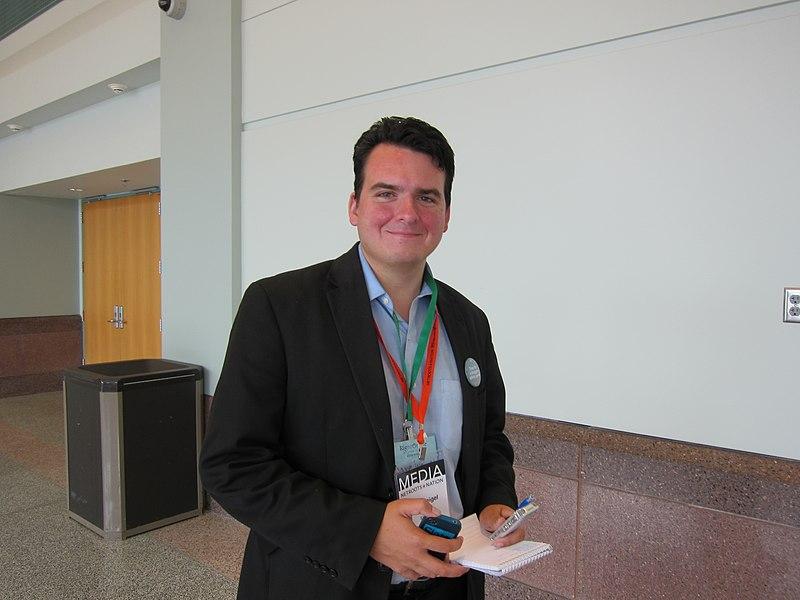 File:Dave Weigel at Netroots Nation 2011.jpg