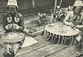 Dayak women embroidering, Wanita di Indonesia p115 (Kon Paketvaart Mij).jpg