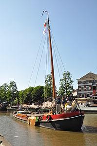 De Rijn en Zaan in Gouda voor de Mallegatsluis.JPG