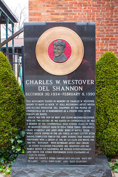 1934 : Chuck Westover, a.k.a. Del Shannon, Born in Battle Creek