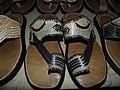 Des chaussures en cuir au musée national du Niger.jpg