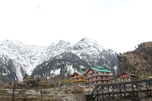 Dhauladhar view on the way to solang valley.jpg