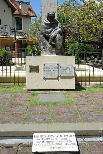 San Isidro Partido - Monument in honour of Domingo de Acassuso placed in San Isidro.