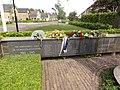 Doornenburg (Lingewaard) oorlogsmonument verwoeste kerk, namenplaat.JPG