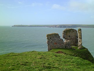 Device Forts built by King Henry VIII in 1539 to protect the harbour of Milford Haven in Wales