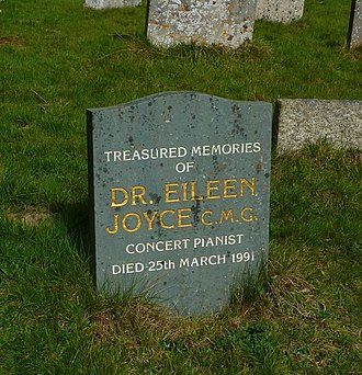 Eileen Joyce - Eileen Joyce's grave at St Peter's Church in Limpsfield, Surrey, England