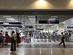 Entrance of Hongqiao Railway Station.jpg