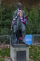 Exeter - Statue of William Courtenay 20151024.jpg