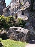 Externsteine Sargstein Grottenfelsen.jpg