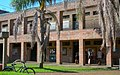 Facultad de Ciencias Naturales y Museo. Edificio de aulas.jpg