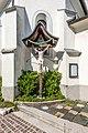Feldkirchen Amthofgasse Filialkirche hl. Michael Apsis-Aussenseite Kruzifix 04062018 3552.jpg