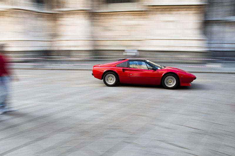 File:Ferrari speeding @ Piazza Duomo.jpg
