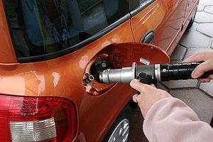 Filling up natural gas (Fiat Multipla)