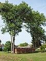 Fontaine-la-Gaillarde-FR-89-tas de bois-a1.jpg