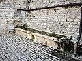 Fontaine-lavoir, rue de la source. Rang.jpg