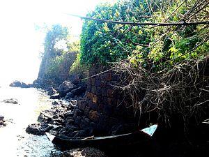 Basavaraj Durga Island - Island surrounded by a wall made by gigantic blocks