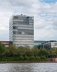 Frankfurt Theodor-Stern-Kai 1.Allianz.20130510.jpg