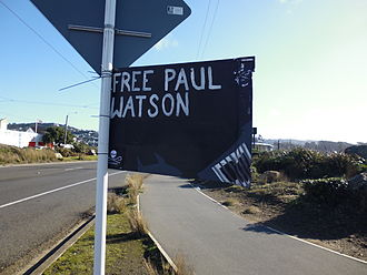 Paul Watson - A sign calling for the dropping of charges against Watson