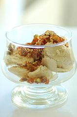 Fresh fig ice cream with pistachio praline.jpg