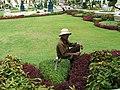 Gardener in Grand Palace - panoramio.jpg