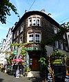 Germany - Zell -Mosel - Weinhaus Zum fröhlichen Weinberg, Mittelstrasse 6 - panoramio.jpg