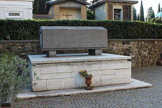 Giovanni Papini - Papini's grave in the Cimitero delle Porte Sante in Florence.