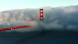 Файл:Golden Gate Bridge Timelapse no audio.webm