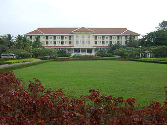 Raffles Hotels & Resorts - Image: Grand Hotel d Angkor Siem Reap