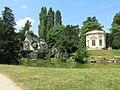 Grand Rocher et Belvédère du Petit Trianon.jpg
