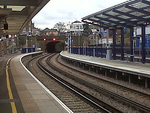 Gravesend railway station - Looking coast bound showing Platform 0 (far right), Platform 1 (right) and Platform 2 (left).