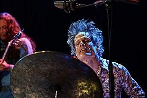 Greg Saunier - Saunier drumming in 2011 and 2017
