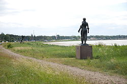 Sculptures on the north coast of Höllviken.