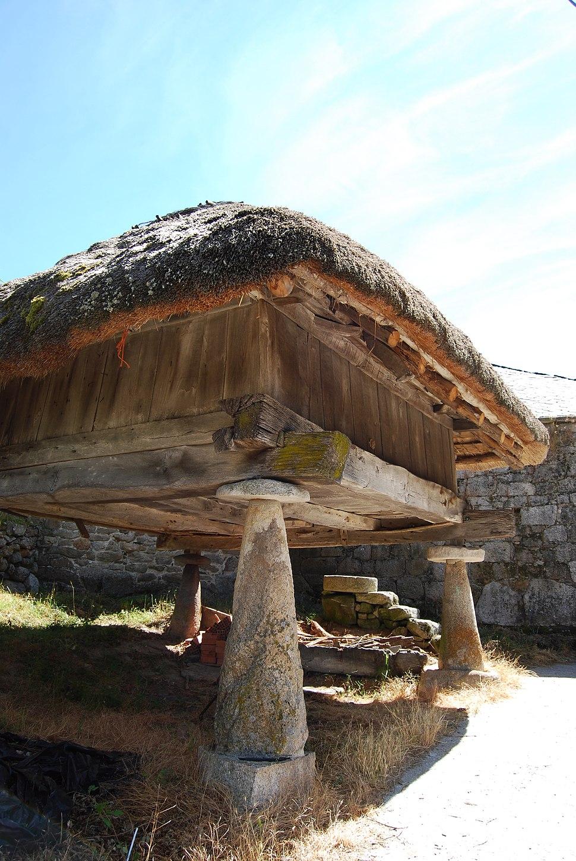 Hórreo tipo asturiano, O Piornedo, Cervantes