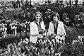 Haarlemse bloemenmeisjes op de Keukenhof, Bestanddeelnr 929-6377.jpg