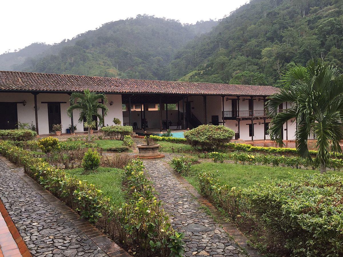 Hacienda la victoria m rida wikipedia la enciclopedia for Piani casa adobe hacienda