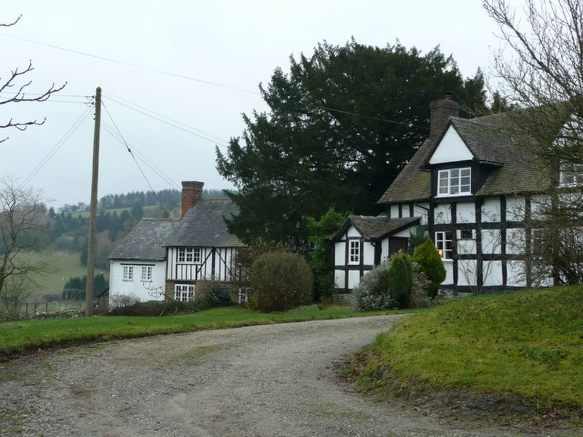 Half-timbered houses in Edgton - geograph.org.uk - 652585.jpg