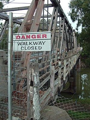 Hampden Bridge (Wagga Wagga) - Image: Hampden bridge wagga 1