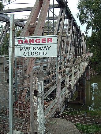 Hampden Bridge, Wagga Wagga - Image: Hampden bridge wagga 1
